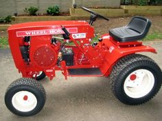 1976 8 Speed uploaded in Wheel Horse / Toro: 1976 8 Speed. Yard Tractors, Small Tractors, Truck And Tractor Pull, Tractor Pulling, Vintage Tractors, Vintage Farm, Wheel Horse Tractor, Tractor Mower, Tractor Bedroom