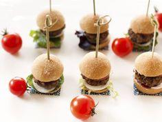 Resultados de la Búsqueda de imágenes de Google de http://www.conmishijos.com/pictures/posts/16000/16227-mini-hamburguesas-recetas-faciles-para-ninos.jpg
