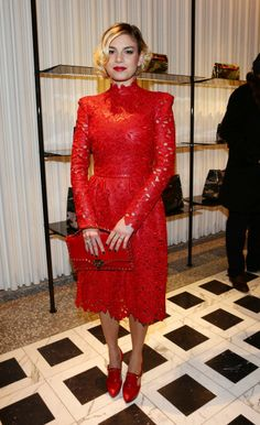 Singer Emma Marrone attends Valentino Cocktail Party as part of Milan... Foto di attualità 159356191