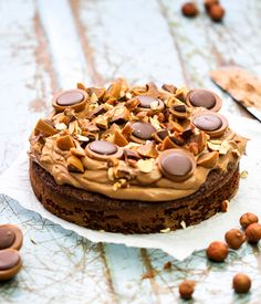 Toffee cake with toffifee Best Dessert Recipes, No Bake Desserts, Cake Recipes, Brownies, Bagan, No Bake Cake, Baking Recipes, Sweet Treats, Cheesecake