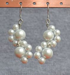 Hey, I found this really awesome Etsy listing at https://www.etsy.com/listing/156041802/flower-pearl-earringsrhinestone