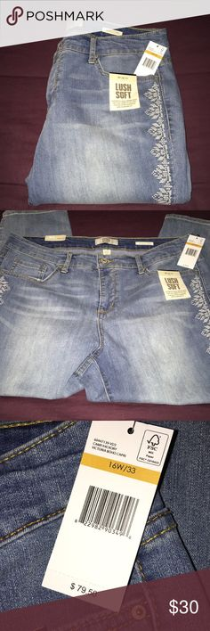 "Vintage America Boho Capris Plus Size 16W NWT These Capris are so adorable. Never worn. They do have stretch. They measure 18"" side to side at top of waist and rise is 11"". Inseam is 24"". Vintage America Jeans Ankle & Cropped"