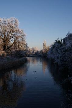 The River Leam. Jan 2010 in Leamington Spa, Warwickshire.