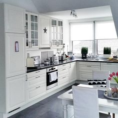 57 Best White Kitchen Design Ideas To Inspiring Your Kitchen - Home/Decor/Diy/Design Kitchen Sets, Home Decor Kitchen, Kitchen Interior, New Kitchen, Home Kitchens, Kitchen Dining, Kitchen Cupboard, Kitchen Country, Dining Table