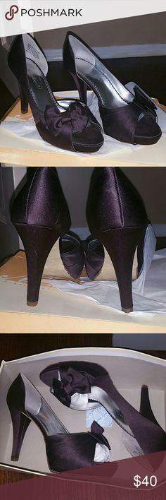 Chocolate Truffle Pumps Brisdesmaid shoed worn 1x, beautiful soft chocolate color. Still in original box. Michaelangelo Shoes Heels