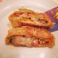 Burek with stuffing of chatue mashrooms, onions, turkey, blue cheese, gouda cheese, parmigiano cheese, fresh tomate and chilly pepper sauce and green peppers! You should try it!