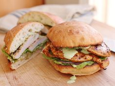 This quick grilled chicken sandwich stars all the flavors of Peruvian grilled chicken, with none of the long cooking time. Kenji López-Alt] Get the Recipe Peruvian-Style Grilled Chicken Sandwiches With Spicy Green Chicken Sandwhich, Grilled Chicken Sandwiches, Chicken Sandwich Recipes, Delicious Sandwiches, Grilled Chicken Recipes, Chicken Spices, Bbq Chicken, Chicken Meals, Healthy Grilling Recipes