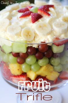 Easy Fruit Trifle! this is so delicious, refreshing and an absolutely beautiful presentation! A perfect recipe for a potluck, picnic or gathering!