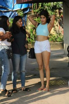 Janhvi Kapoor spotted at the Pilates gym in Mumbai Bollywood Images, Bollywood Actress Hot Photos, Indian Actress Photos, Indian Bollywood Actress, Bollywood Girls, Beautiful Bollywood Actress, Bollywood Fashion, Tamil Girls, Beautiful Girl Indian