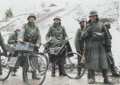 German soldiers WW2, location and date unknown, pin by Paolo Marzioli