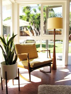 love the lamp and planter My Houzz: A Mid-Century Marvel Revived in Long Beach - modern - living room - orange county - Tara Bussema Decor, Modern Living Room, House Styles, Living Room Orange, Lamps Living Room, Interior, Beach Modern Living Room, Mid Century Modern Living Room, Mid Century Decor