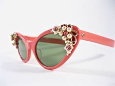 703f49eb8a56 Vintage pink cat eye sunglasses. 1950s Ornate pearl sunglass frames black  jeweled non-prescription lenses