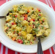 Home - Pilar's Chilean Food & Garden Latin American Food, Latin Food, Chilean Food, Ensalada Rusa Recipe, Russian Potato Salad, Chilean Recipes, Vegan Burgers, Easy Salads, Gastronomia