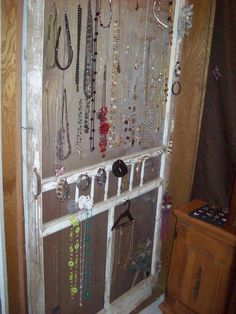 10 outdoor diy projects that inspire beauty and relaxation - Old Screen Amp Screen Door Ideas On Pinterest Old Screen