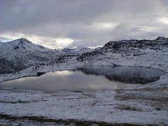 Nieve en la laguna de Mucubaji edo Merida En Venezuela