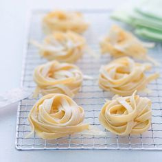 Pasta basic recipe - They can be kept well dried in an airtight sealable biscuit tin for approx. Leftover Chicken Recipes, Chicken Thigh Recipes, Mantu Recipe, Appetizer Recipes, Dessert Recipes, Wassail Recipe, Low Fat Snacks, Biscuits, Shellfish Recipes