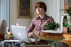 Not Another Happy Ending- Karen Gillan. Commedia Indie con colonna sonora azzeccatissima.