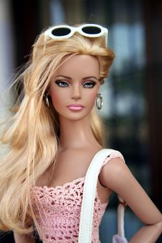 70 ideas for knitted clothes for Barbie dolls – Idea … - Modern Barbie Life, Barbie World, Fashion Royalty Dolls, Fashion Dolls, Bjd, Jolie Lingerie, Poppy Parker, Barbie Fashionista, Beautiful Barbie Dolls