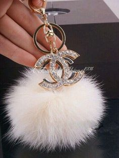 Chanel Blush Pink Pom Keychain With Rhinestones! I Absolutely Adore It! Chanel Outfit, Car Accessories, Fashion Accessories, Chanel Fashion Show, Fashion Bags, Accesorios Casual, Coco Chanel, Chanel Bags, Chanel Handbags