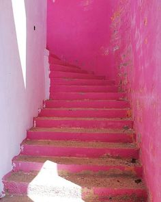 Mood of the day ULTIMATE PINK!!! #saturdaymorning #frameofmind #hot #pink #stairs . . . .  #architecture #photography #travel #mood  #positive #style #sun #nature #beautiful #mind #soul #love  #life #summer #instamood #sunglasses #shades #art  #instalike #instadaily #bestoftheday #fashionblogger #fblogger #styleblog #shadow by (saturdaymorning.online). photography #soul #sunglasses #love #instadaily #beautiful #pink #shades #fblogger #bestoftheday #architecture #life #fashionblogger #summer…