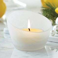 Maxi-Teelichthalter Fresh Home by PartyLite™ Mattglas mit weißer Wirbelstruktur. H: 7 cm, Ø 10 cm. Für Maxi-Teelichter und Teelichter https://petrajukl.partylite.at/Shop/Product/465