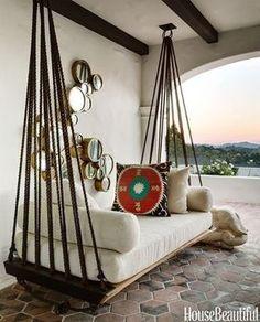 Que bom você descansar nesse sofá-rede......