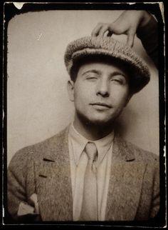 Louis Aragon (photomaton, vers 1929)