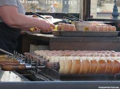 Comiendo trdelnik en Praga