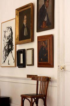 14 Rooms Where Vintage Portraits Shine (Design*Sponge) My Living Room, Living Spaces, Cabana, Home Decor Inspiration, Interior And Exterior, Beautiful Homes, Interior Decorating, Sweet Home, Room Decor