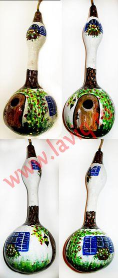 Tartacuta pictata in culori acrilice...   Casuta  www.laviq.ro  www.facebook.com/pages/LaviQ/206808016028814