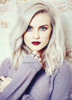 Platinum Blonde Hair. Red rouge lips, grey hair. Mid lenght haircut. Shoulder lenght.