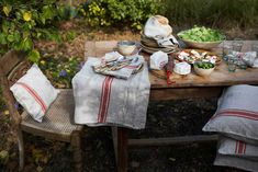 Love the french country linens.