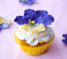 How to make gum paste pansies | CakeJournal | How to make beautiful cakes, sweet cupcakes and delicious cookies