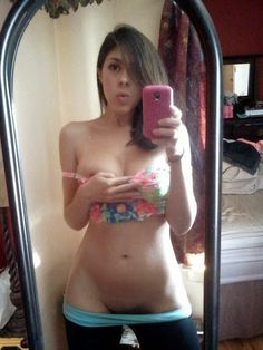sexy selfie hot babes amateur teens selfshots private leaked pics