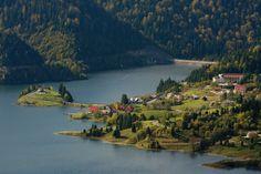 Petiție pentru Colibița! Turiștii sunt invitați să semneze pentru acces liber către lac și asfaltarea drumului