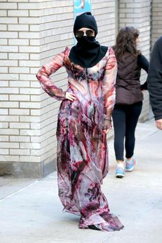 LADY GAGA HOY SALIENDO DE UN HOSPITAL EN NEW YORK.!