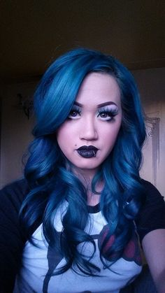 Michelle Vo is wearing freshly-dyed #ManicPanic #Atomic Turquoise hair dye. Our semi-permanent dyes will look different on everyone, depending on how light or dark your hair is underneath. This color would be brightest on a level 10 platinum blonde.