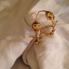 ☀️18kt gold Wilted Lady Flower hoops for a v special customer