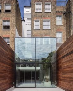 """""""Mi piace"""": 16 mila, commenti: 58 - designboom magazine (@designboom) su Instagram: """"this late 19th century victorian house in #london has been renovated by #guarnieriarchitects…"""""""