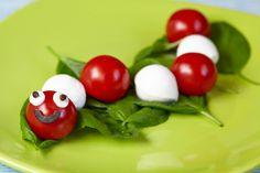 Si tus hijos no le encuentran el chiste a las ensaladas, demuéstrales que pueden ser muy divertidas, sanas y riquísimas.