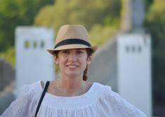 BIENVENIDOS Panama Hat, Palazzo, 3 Years, Ideas Para, Napkin Rings, Painted Furniture, Frases, Paintings, Coastal Cottage