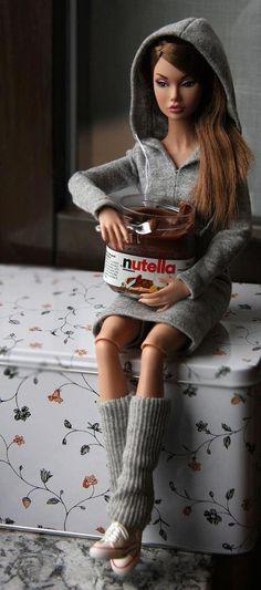 PMS barbie eating nutella