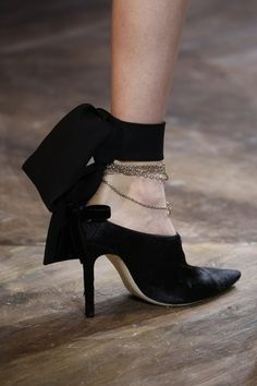 Christian Dior Spring 2016 Couture Fashion Show - Dior Shoes - Ideas of Dior Shoes - See detail photos for Christian Dior Spring 2016 Couture collection. Dior Shoes, Shoes Heels, Pumps, Christian Dior, Couture Accessories, Fashion Accessories, Mode Shoes, Dior Couture, Couture Fashion