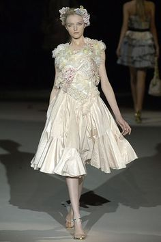 Louis Vuitton Spring 2007 Ready-to-Wear Fashion Show - Vlada Roslyakova
