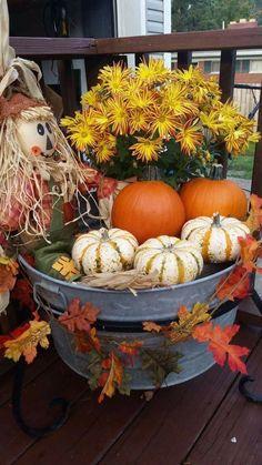 Rustic Thanksgiving, Thanksgiving Decorations, Fall Decorations, Thanksgiving Crafts, Halloween Decorations, Autumn Decorating, Porch Decorating, Decorating Ideas, Decor Ideas