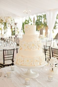 www.charlestonevent.com. Awesome how much technique it takes to make something look so simple and effortless.