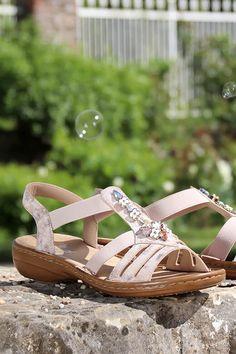 Die 261 besten Bilder zu Outfit Damen Schuhe in 2020 CbG29
