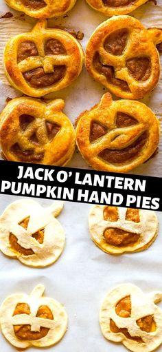 Halloween Snacks, Halloween Breakfast, Halloween Deserts Recipes, Halloween Finger Foods, Hand Pies, Appetizers For Kids, Party Appetizers, Party Desserts, Halloween Backen