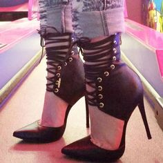 Nelly Bernal Giovanni Heels