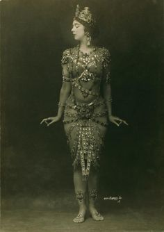 Ruth St. Denis in Rhada 1908 <3